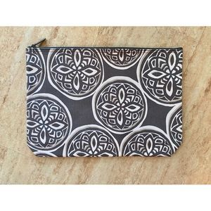 Thirty-One Zipper Pouch NEW